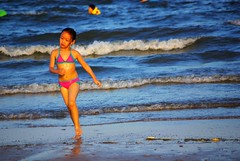 Run, in the way of women (silviald) Tags: life cute love beach beautiful look kids children hope child affection lovely