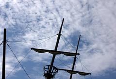 pointing (normaltoilet/ LSImages) Tags: ontario canada abandoned water boat nikon rust ship jordan lakeontario ruined d40 jordanstation