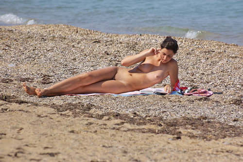 naked young beach voyeur images pics: nudebeach
