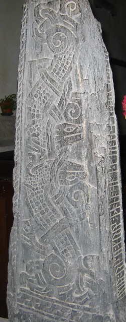 Broderie sur tunique viking ( Le retour ! ) 2980024526_74959d5698_z