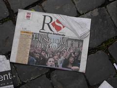 La scuola in piazza (Gaiux) Tags: roma università protesta 2008 proteste scuola manifestazione sciopero riforma facoltà finanziaria istruzione sindacato sindacati ondanomala gelmini 30102008 legge133