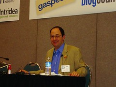 Andy Sernovitz Giving Welcome Speech BlogWell