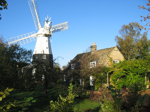 House and windmill in Histon