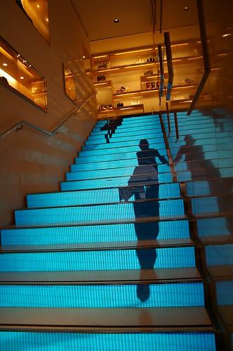 LV的樓梯 很炫呢!