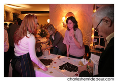 20081117_lgd_chd_114.jpg (charleshenridebeur) Tags: food canada art cooking photo cafe pain wine quebec montreal tableau cooks qc sofitel bouffe agnusdei pastis saq chocolat vins gastronomie gastronomy catering chefs traiteur ilestehelene victordiaz cuisinier evenement premieremoisson helenedechamplain sucreriedelamontagne oenologue maisoncakao charleshenridebeur 17novembre2008 lancementguidedebeur2009 guidedebeur fineprodcuts produitsfins thierrydebeur huguetteberaud soeurangele renedelbuguet confreriedesvigneronsdestvincent pierrefaucher stephanefaucher edithgagnon isabellehuot ricardcanada fatimahoudapepin neolfourcroy globalwinesandspirits chefdelannee restaurantdelannee