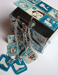 wintergiftbox5 (Jupita) Tags: necklace recycled jewelry charm chain starbucks wearableart accessories earrings iceskates charmbracelet giftbox upcycled starbucksgiftcard starbuckscards jupita starbucksgiftcards starbucksgiftcardjewelry upcycledgiftcard recycledstarbucks