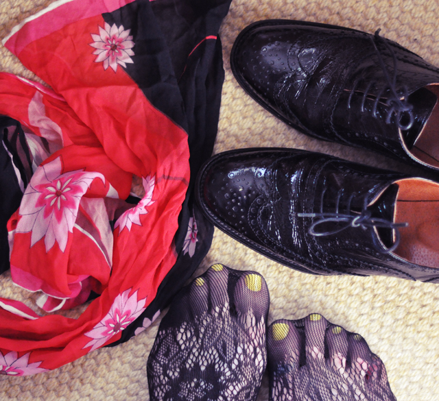 vintage scarft+lace tights+brogues +oxfords+yellow nails