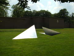 (Tom Paton) Tags: sculpture holland netherlands nationalparkdehogeveluwe