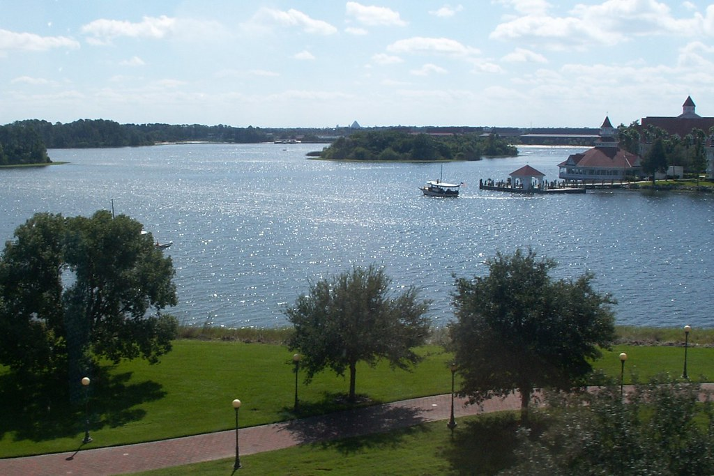 Motor Launch on the Seven Seas Lagoon, with the Walk Around the World in the foreground