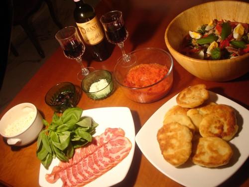 2320134121 c021913324 Pizzas Napolitaines Frites et Insalata Ricca (salade de luxe)
