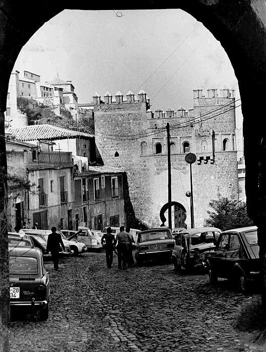 Puerta del Sol vista desde la de Alarcones, años 80