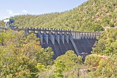 Somerset Dam - front of dam wall (obLiterated) Tags: dam australia brisbane queensland watersupply catchment somersetdam