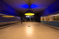 Busy (blubbla) Tags: blue lamp yellow speed munich mnchen eos lampe metro gelb ubahn commuter blau soe pendler geschwindigkeit westfriedhof 40d diamondclassphotographer flickrdiamond ubahnmuenchen:line=1 ubahnmuenchen:station=wf ubahnmuenchen:traintype=c ubahnmuenchen:traintype=a blubbla