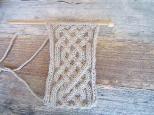 Celtic Cables Neckwarmer 01- Progress