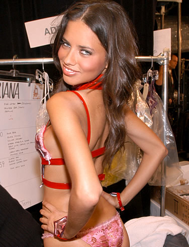 adriana-lima-picture-3 by girlhotgirl.blogspot.com.