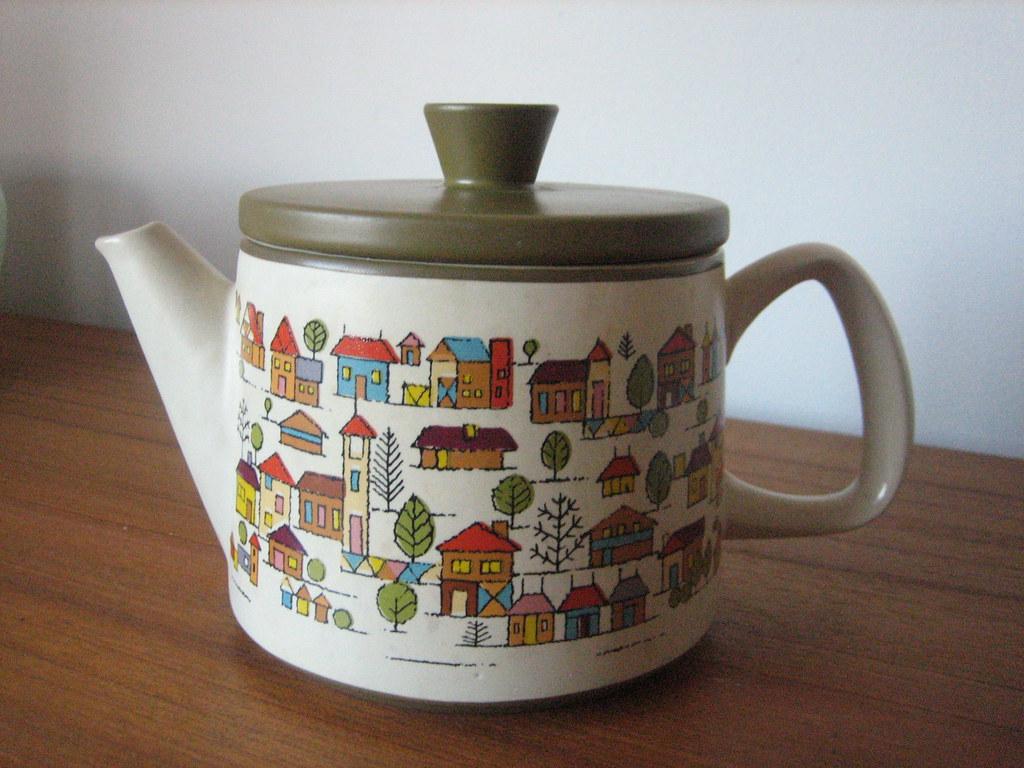 Country Village Teapot