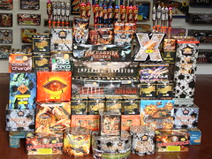 Roll on the 5th November! (EpicFireworks) Tags: fireworks guyfawkes firework burst pyro sparks 13g epic paramount pyrotechnics ignition screamingspiders