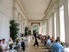 Lunch at the Orangerie - Kensington Palace, London (UGArdener) Tags: england london english lunch unitedkingdom britain knightsbridge lunchtime williamandmary kensington kensingtongardens ornate kensingtonpalace orangerie englishtravel