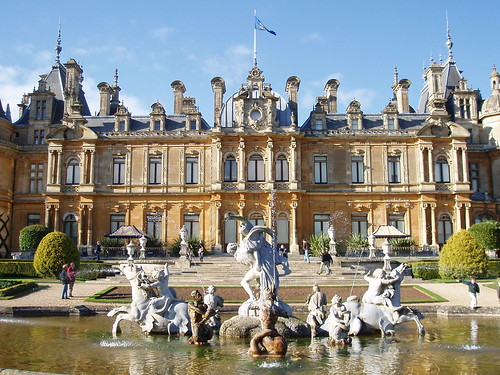Waddesdon Manor South Front - flckr - amandabhslater