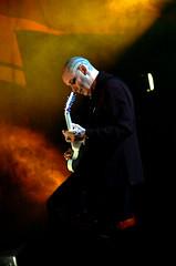 Porl Thompson in the fog (Liuis) Tags: blue light rome roma simon love robert look rock dark photo concert nikon im smith sing l luis friday gallup 2008 luigi cure thompson colosseo lullaby d40 porl cambiaso liuis