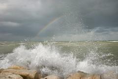 Contrasto naturale (scarpace87) Tags: contrast natural waves wind sea rocks rainbow nature contrasto naturale onde spruzzi scogli darsena arcobaleno maretta tempesta colori sangiulianomare rimini barafonda adriatico
