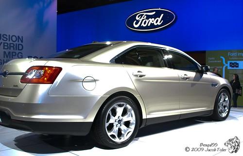 2010 Ford Taurus SEL,car, sport car
