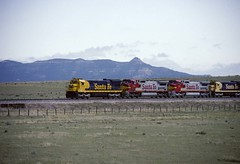 Approaching Raton 6/18/93 (Sneebly) Tags: newmexico nm atsf sf30c