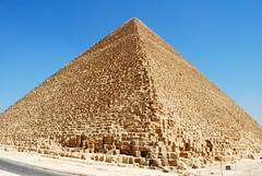 Pirmide de Keops / Pyramid of Cheops (rsaezn) Tags: sphinx pyramid esfinge egypt egipto piramides giza piramide gizapyramids piramidesdegiza