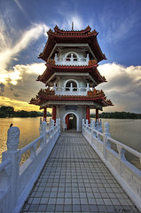 Sunset over Pagoda 2 (J.^2) Tags: sunset sky cloud lake canon pagoda singapore chinesegarden jurong j2 hdr jiangjiang 3xp 400d jsquare