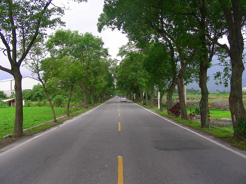 On the way to Liyu Lake