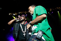 ludacris laughing as shawty lo performs dunn dunn it all  must be too sides