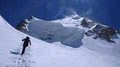 P1050895.JPG (chaletlaforet) Tags: mountaineering chamonix aiguilledumidi cosmiquesarête
