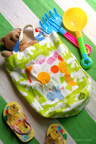 Mommy Creates : Summer Tote Bag