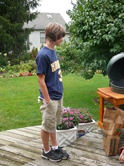 sam inspects the big green egg (alist) Tags: family alist robison alicerobison 66214 ajrobison