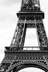 Tour Eiffel (jver64) Tags: paris france eiffeltower toureiffel canon40d