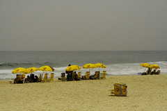 (MonicaDiBlasio) Tags: praia beach riodejaneiro barradatijuca tatianasapateiro soe barrinha digitalcameraclub oceanshore praiadopepe spiritofphotography tempotassimassimmasacompanhiatavaperfeita temosquerepetirperua essaoprobichadorsrsrsrrs