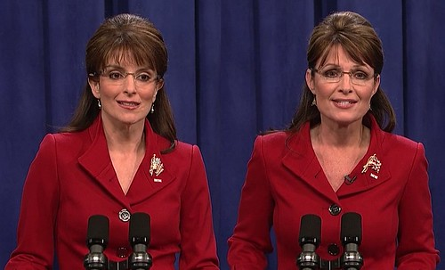photos of Tina Fey and Sarah Palin side by side