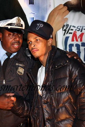 LMAO ... ti and his comanding officer