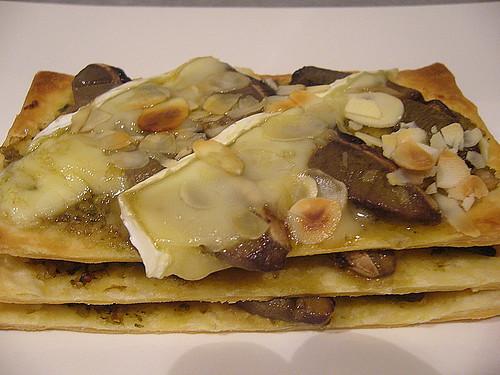 Mille foglie al pesto di carciofi con porcini e formaggio briefai clic qui per aggiungere una descrizione