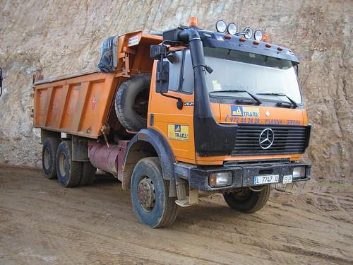 Mercedes Benz a la pedrera de Massanes (Girona)