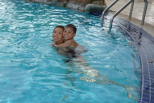 aniq with swimming instructor