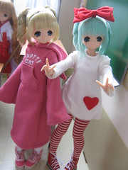 Twins (kimmy manga) Tags: white snow cute ex girl outfit doll secret hell ds lien wonderland pure ai miu neemo azone enma