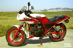 Vintage Motorcycles (Lee Sutton) Tags: california red white vintage japanese san francisco motorcycles yamaha 250 srx leesutton