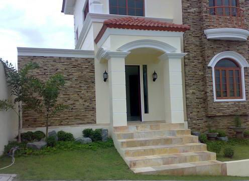 McKinley Hill Village House and Lot for Sale