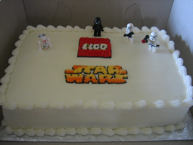 Lego Star Wars Birthday Cake with lego men
