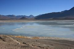 laguna blanca (..vanessa..) Tags: white mountains southamerica america desert south bolivia lagoon blanca desierto laguna sul montanhas altiplano deserto bolivian americadosul anawesomeshot