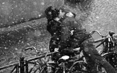 kiss in the snow (modernromance) Tags: christmas winter snow bike gate kiss emotion desperate relationship human snowing lovely drift interaction sleet