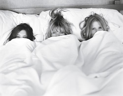 SUMMER CAMP: Daria Werbowy, Kate Moss and Lara Stone