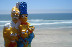 Los Simpsons En La Playa (Srch) Tags: sea beach mar bart lisa playa maggie homer thesimpsons marge lossimpsons