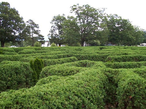 Luray Caverns Maze. garden maze at Luray Caverns | Flickr - Photo Sharing!